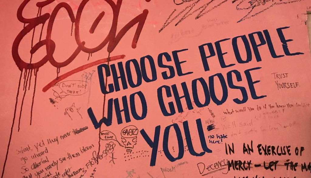 Get over someone: Choose people who choose you